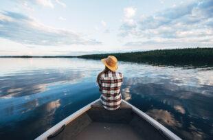 """La carte postale #5 de BestJobers : """"Le Reflet du Lac, Québec"""""""
