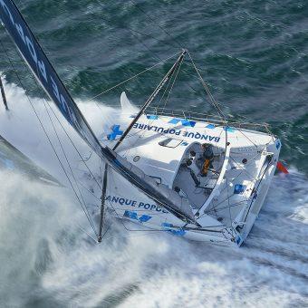 Entrainement en solo au large de Lorient pour le monocoque 60 pieds IMOCA Banque Populaire VIII, Skipper Armel Le Cléac'h - 2016 - Nikon D4 - Nikkor 70-200 mm f/2.8