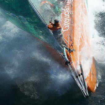 Groupama 4 - Franck Cammas et son équipage pour l'entraînement de la Volvo Ocean Race en 2011 - Nikon D3S - Nikkor 200-400 f/4.0