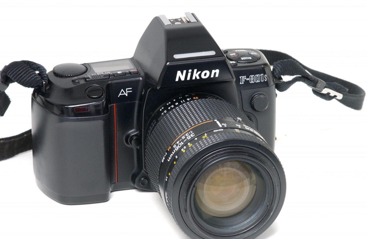 Boitiers Nikon F 801s avec Nikkor 35-105 mm f3.5