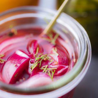 pickles oignons, nikon, photographie culinaire