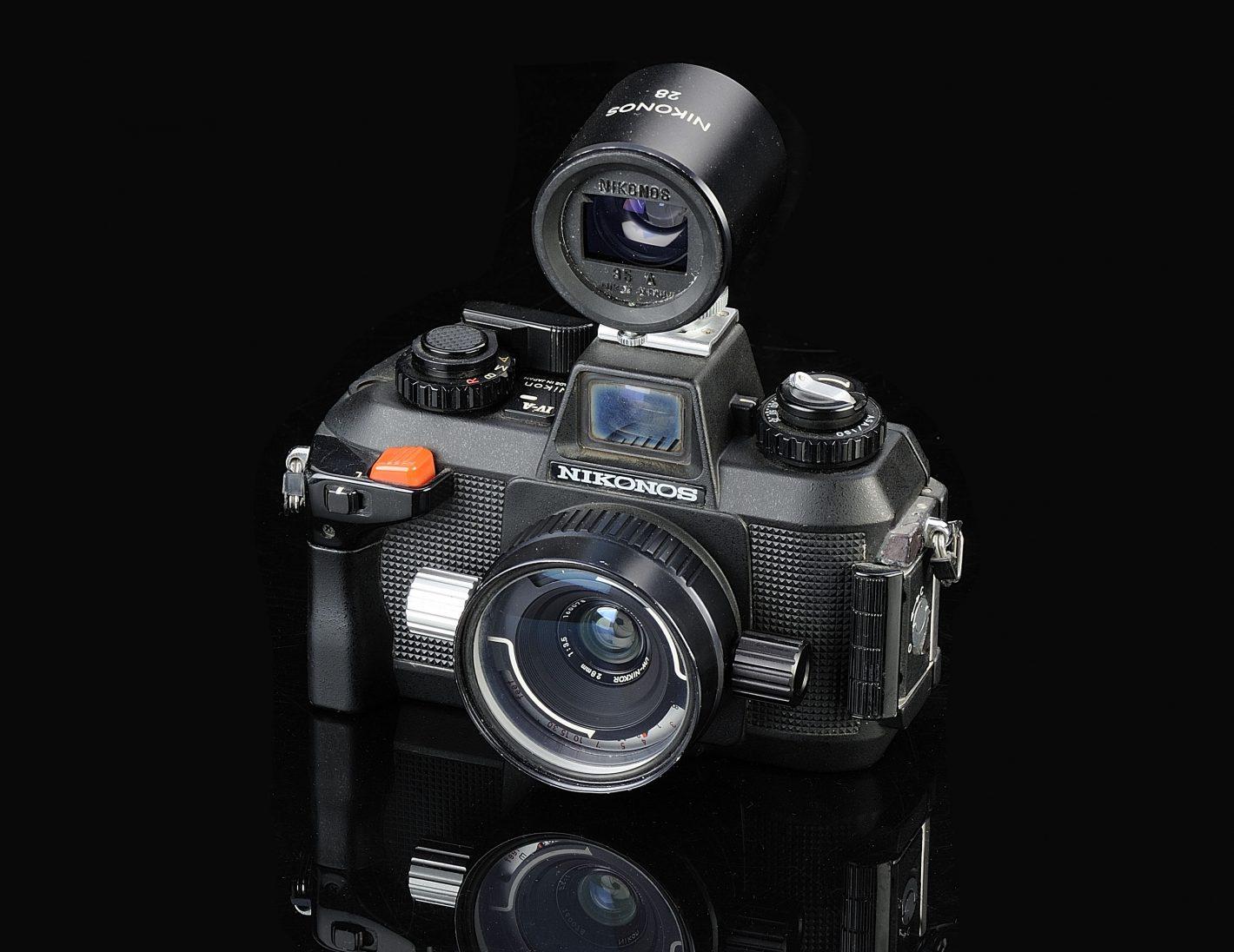 Nikonos Nikon Thierry Ravassod