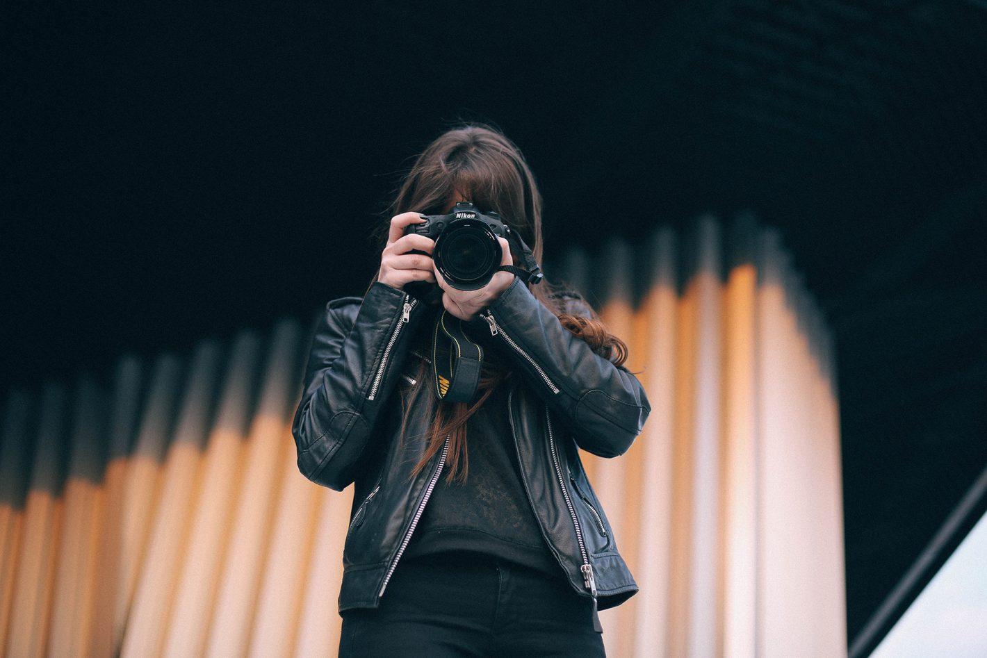 Les univers de Flora Metayer à suivre sur Instagram - Potrait par Clothilde Redon
