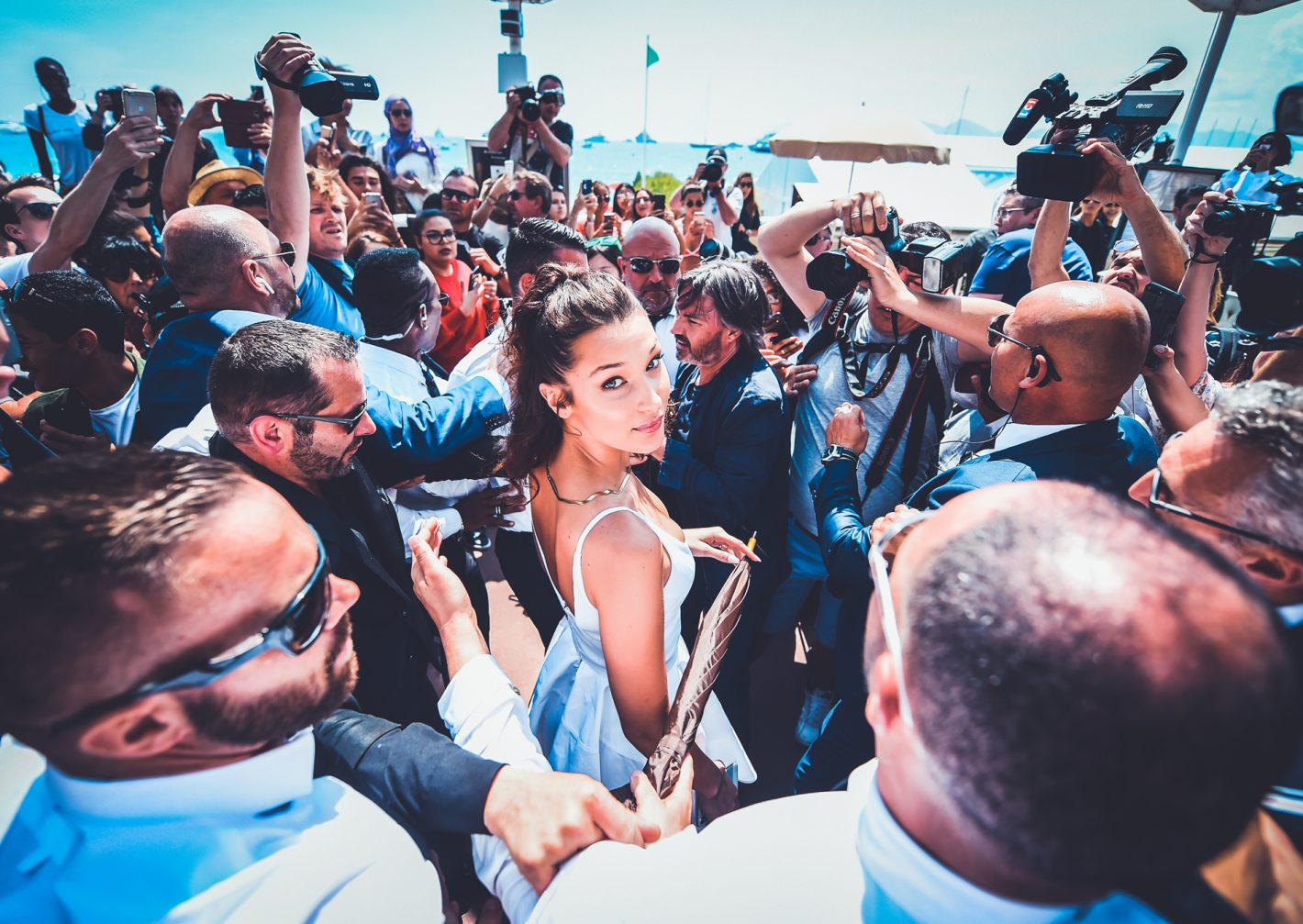 Bella Hadid par Anthony Ghnassia pour Cannes 2018