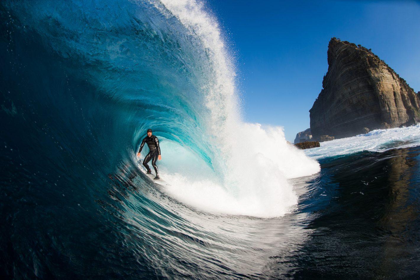 Stuart Gibson face à la puissance et la beauté de l'océan