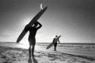 Le quotidien des surfeurs du sud-ouest à travers les pellicules d'Alice Védrine