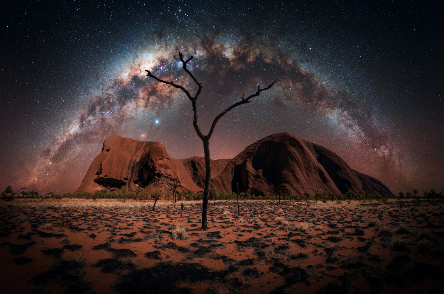 Ayers Rock, Australia Sony A7III, 14 mm, 15 et 149 sec, 6 photos, 1600 et 1250 iso, f4.5 et 1.8