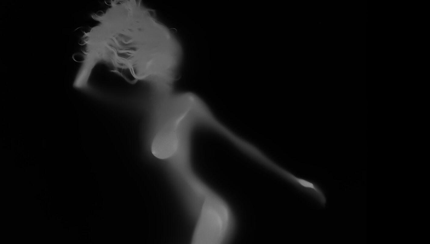 Éric Ceccarini : éloge du corps féminin entre peinture et photographie